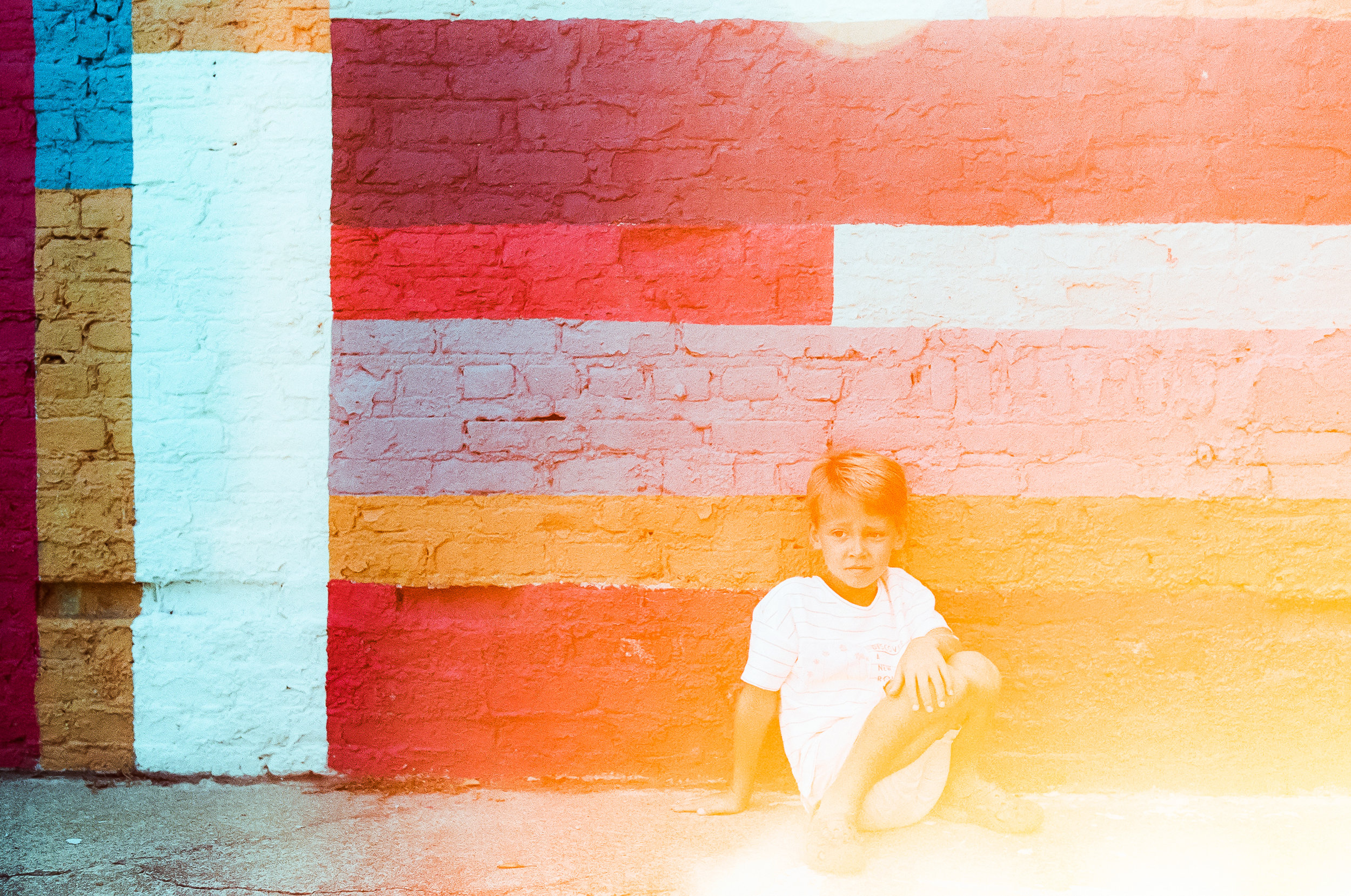 lifestyle-photographer-film-raleigh-colorful-wall