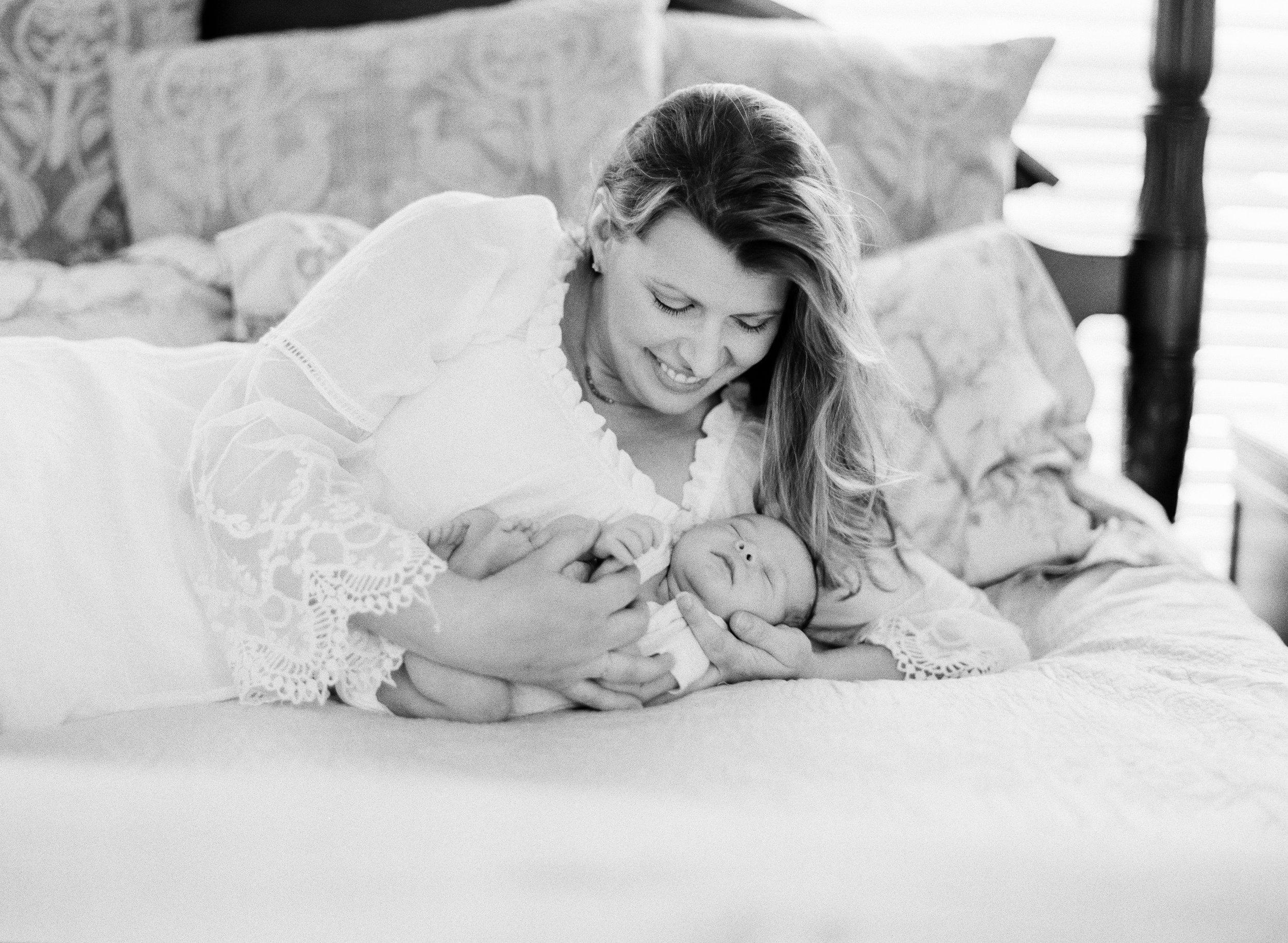 lifestyle-newborn-film-photographer-black-and-white-raleigh