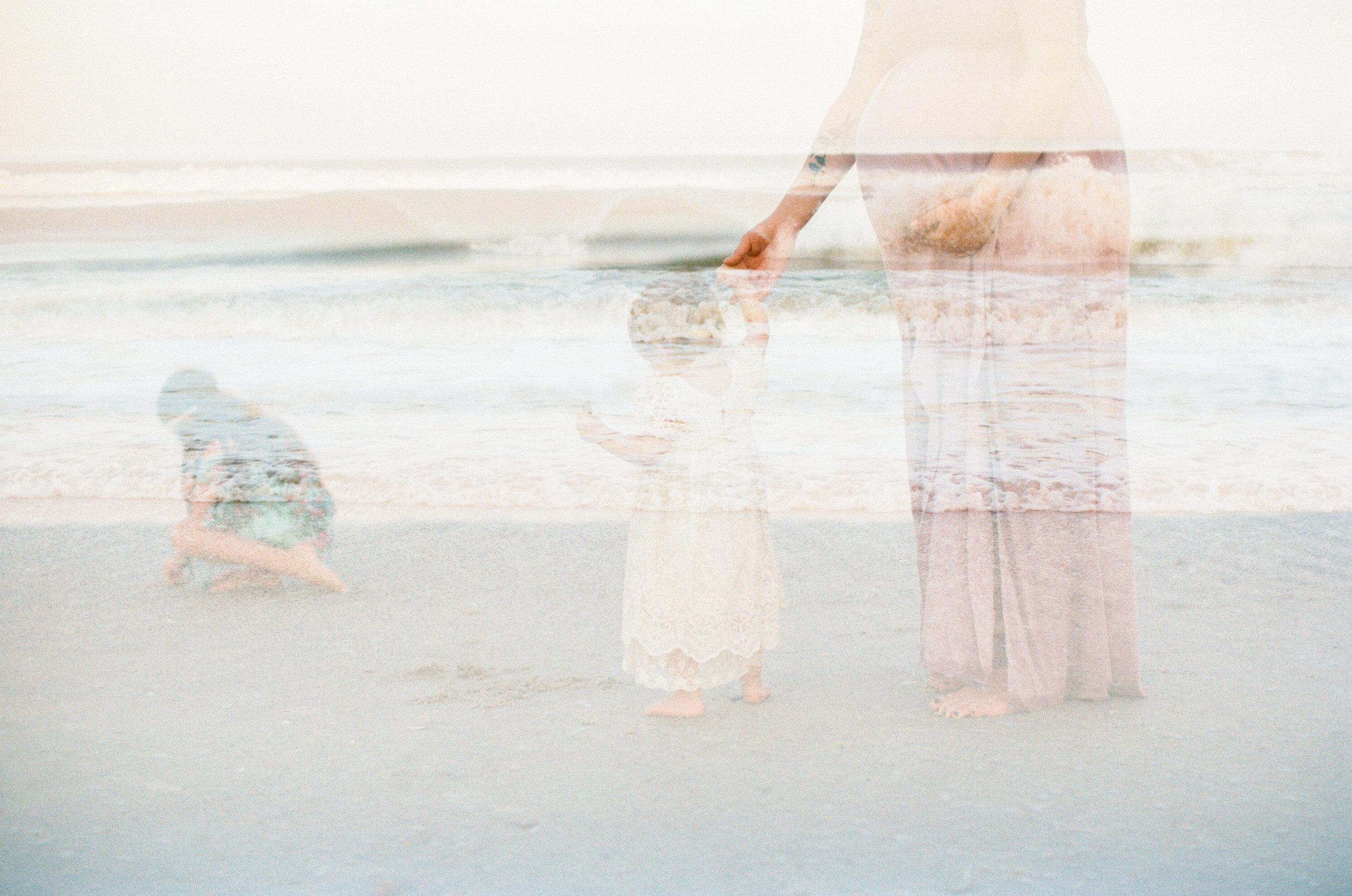 north-carolina-film-photographer-beach-family-session