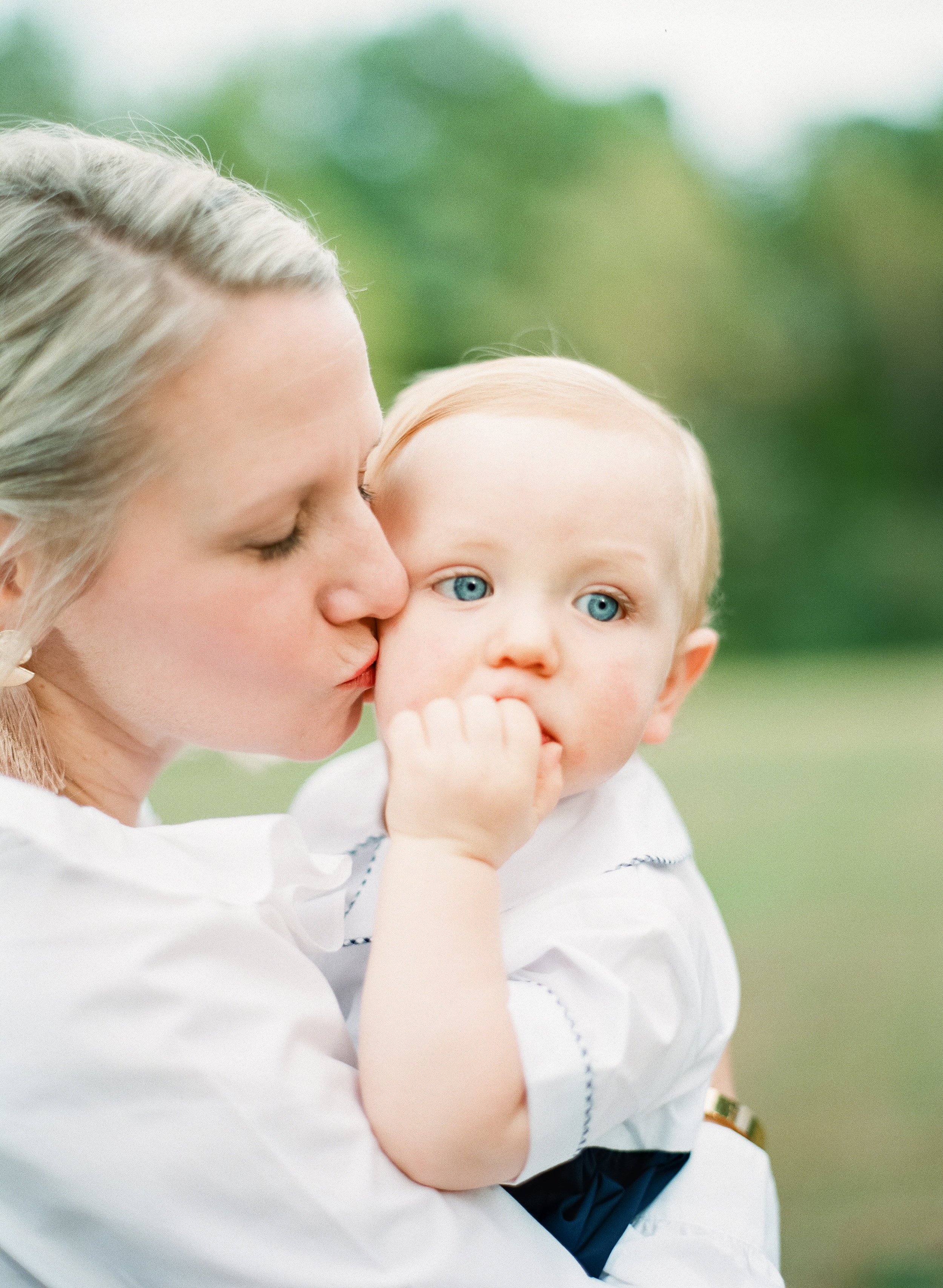 motherhood-sessions-raleigh-film-photographer-lifestyle-family
