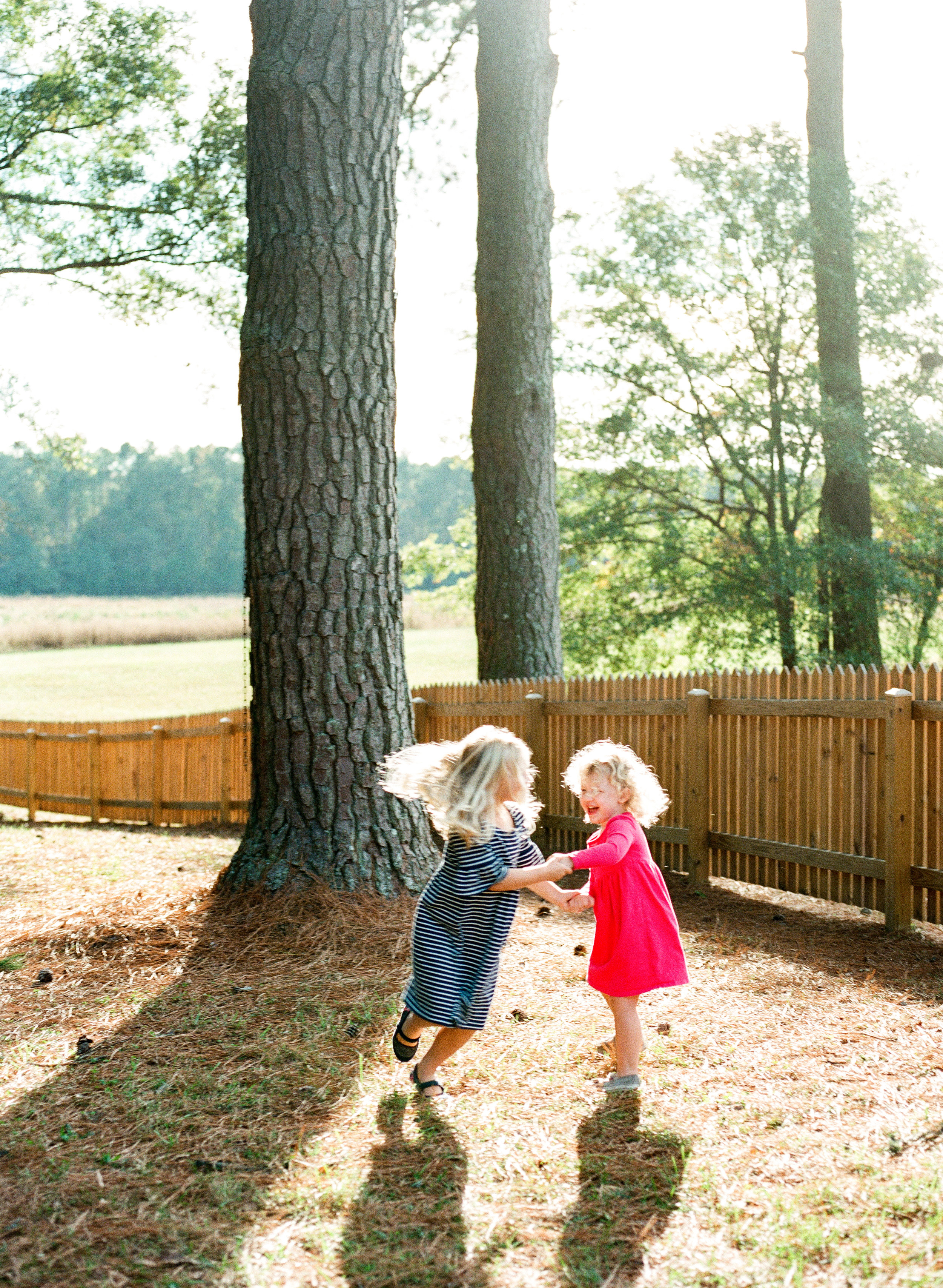 raleigh-family-photographer-historic-oak-view-park