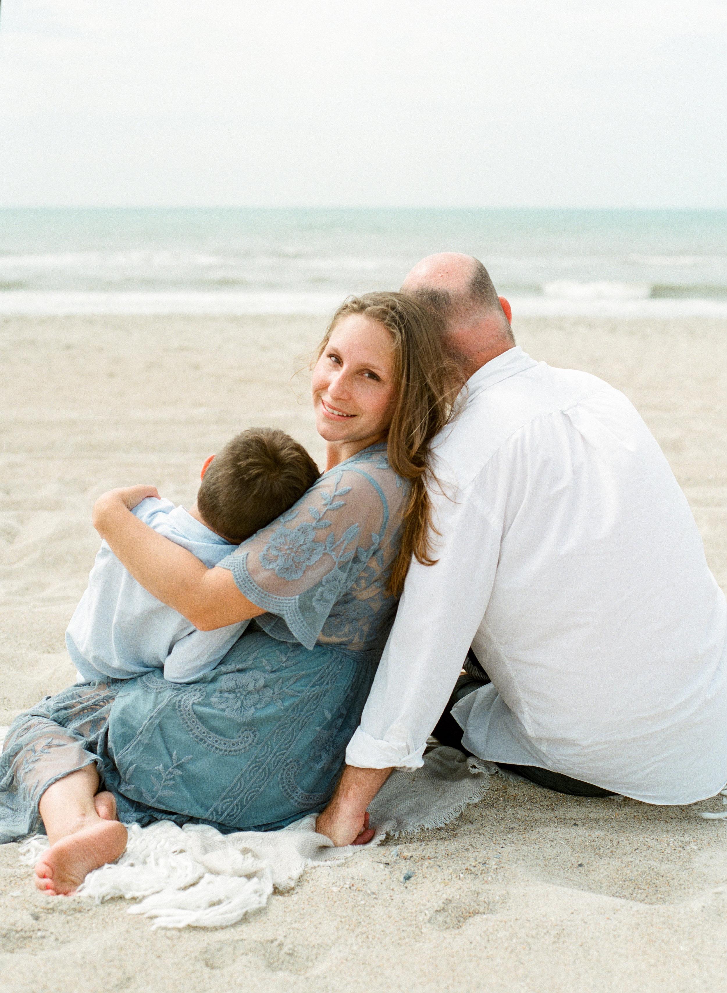 emerald-isle-beach-family-film-photographer-lifestyleemerald-isle-beach-family-film-photographer-lifestyle