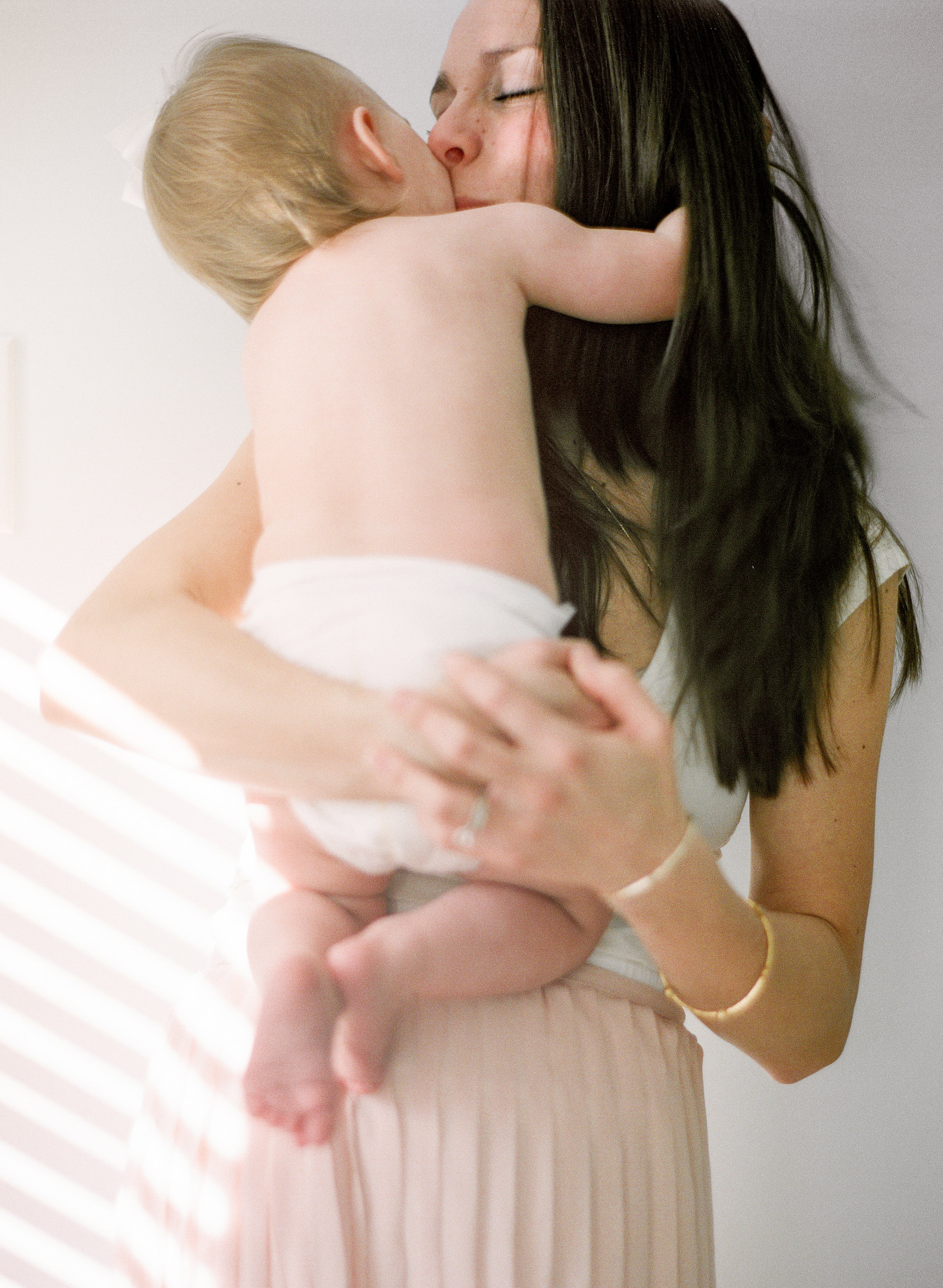 raleigh-film-photographer-motherhood-family-creative-baby-pictures