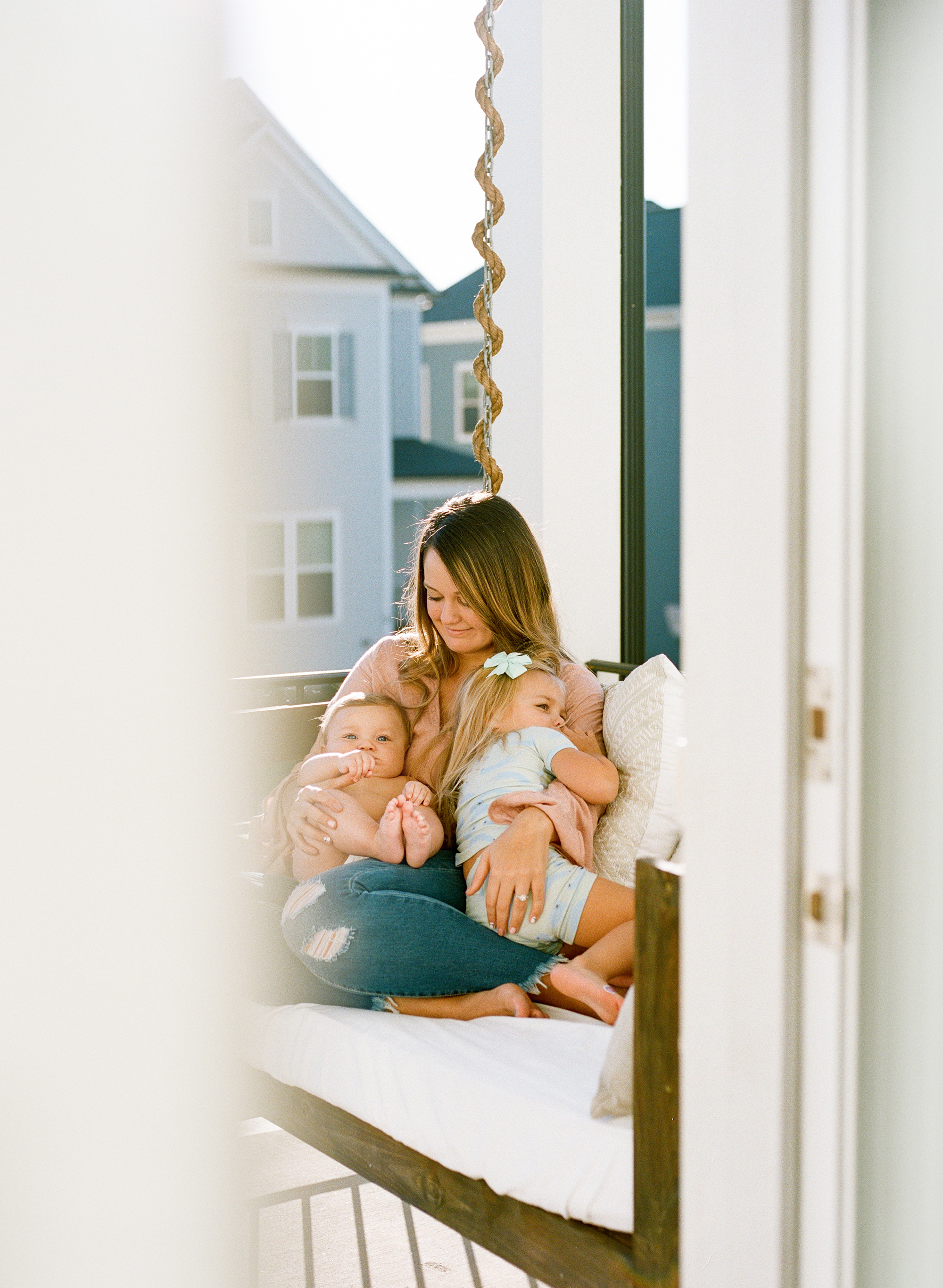 raleigh-motherhood-day-in-the-life-family-photographer-002