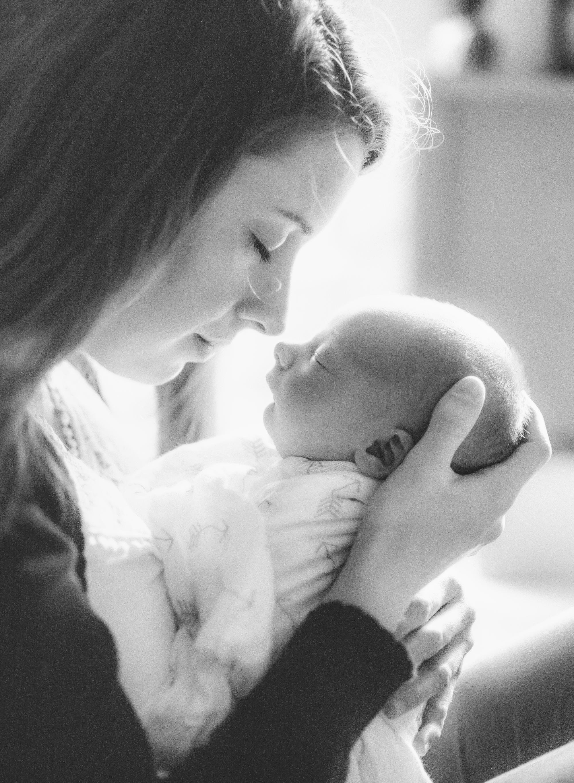 raleigh-lifestyle-home-newborn-photographer