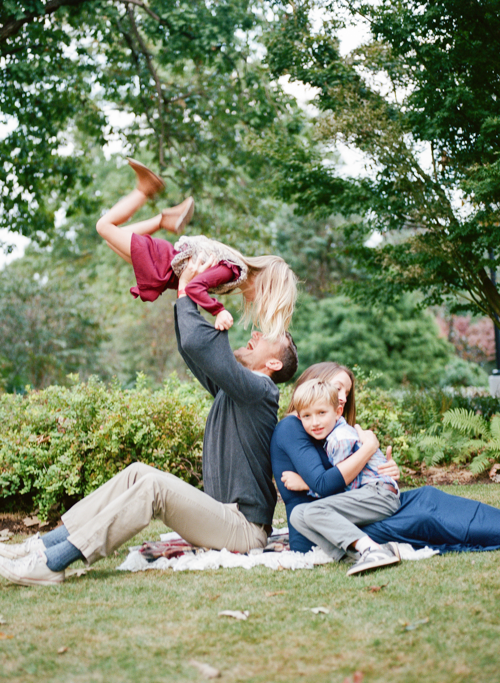 raleigh-lifestyle-fall-family-photography-fred-fletcher-park-001