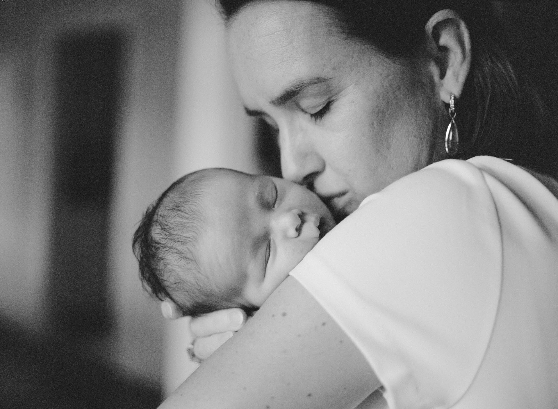 black-and-white-newborn-photography-raleigh-nc