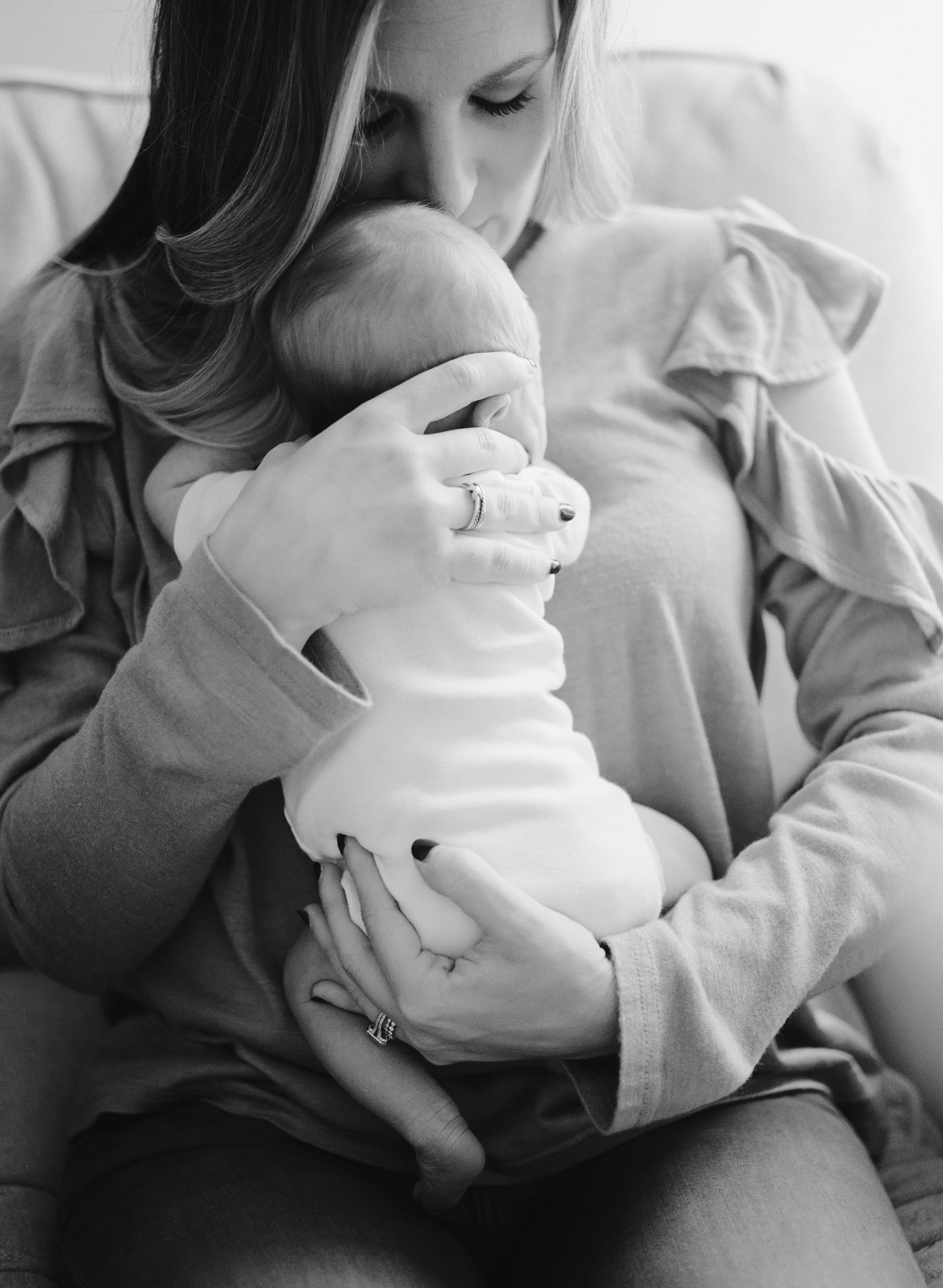 raleigh-baby-newborn-photography-film-home-session-014