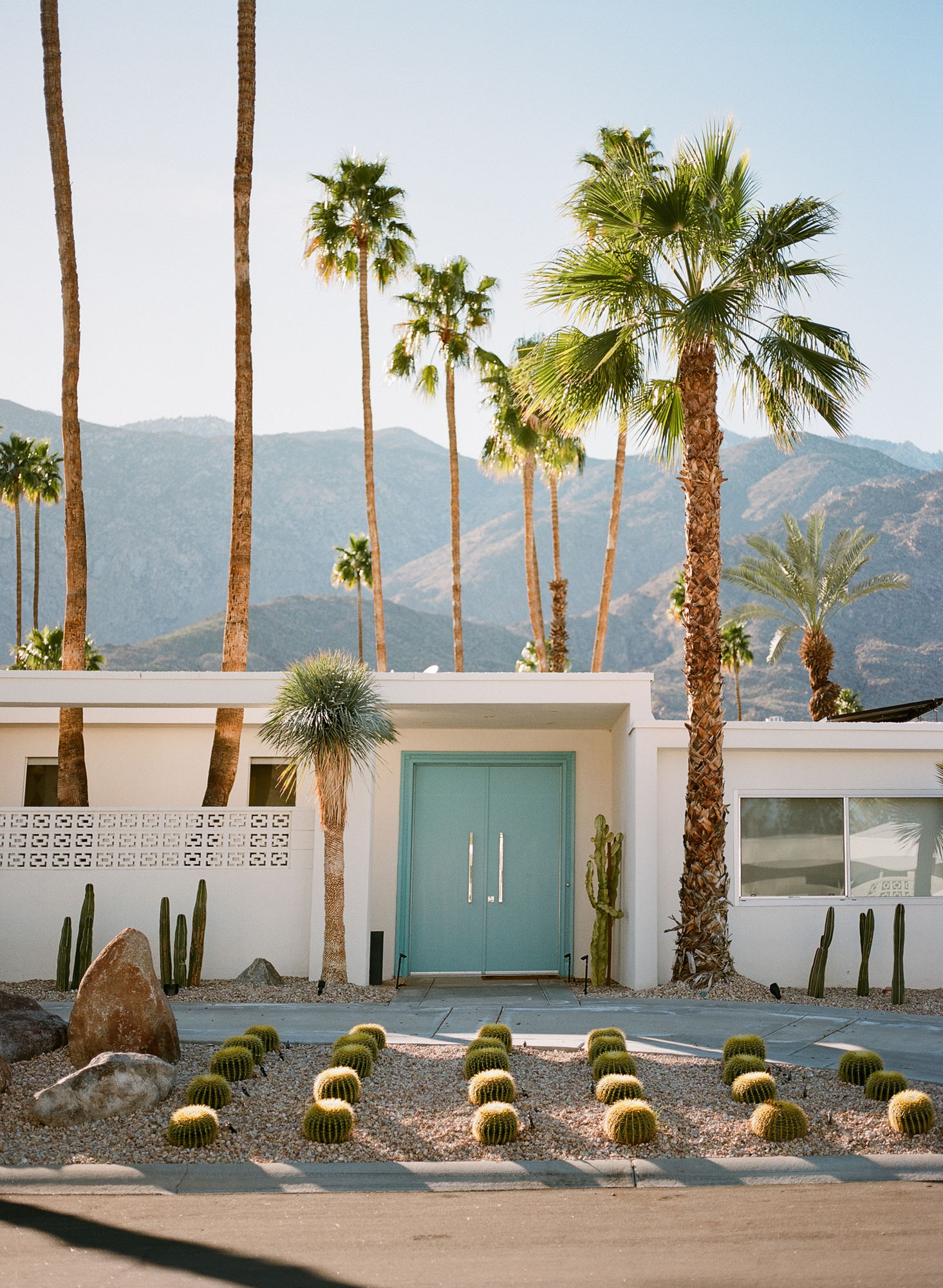 door-tour-palm-springs-california-film-photography-travel-photographer-002