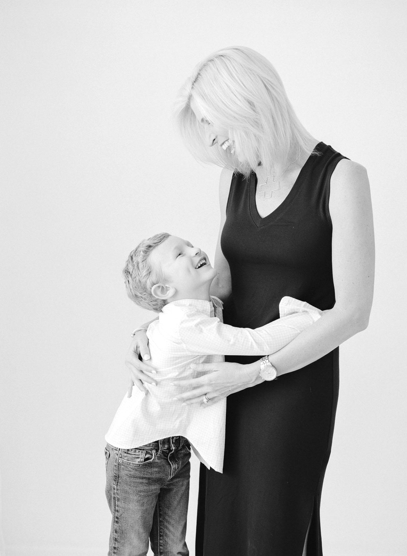 family-photographer-raleigh-nc-motherhood-portraits-007