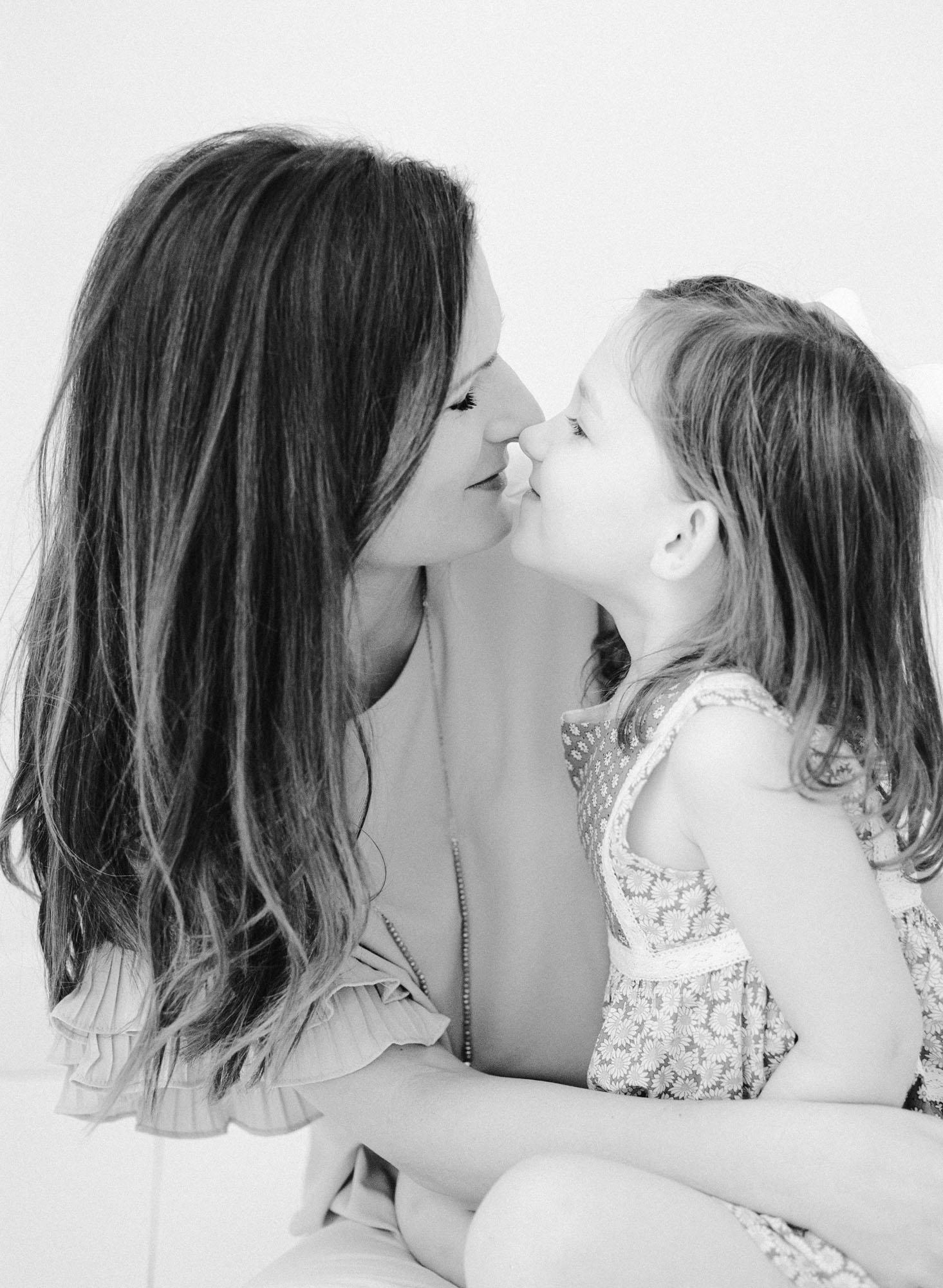 family-photographer-raleigh-nc-motherhood-portraits-010