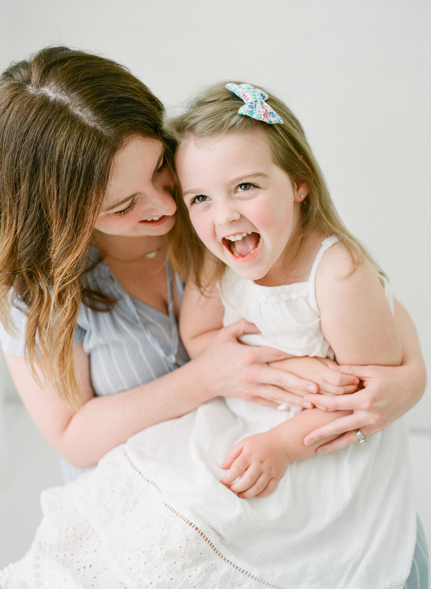 wake-forest-family-photographer-studio-session-motherhood-004