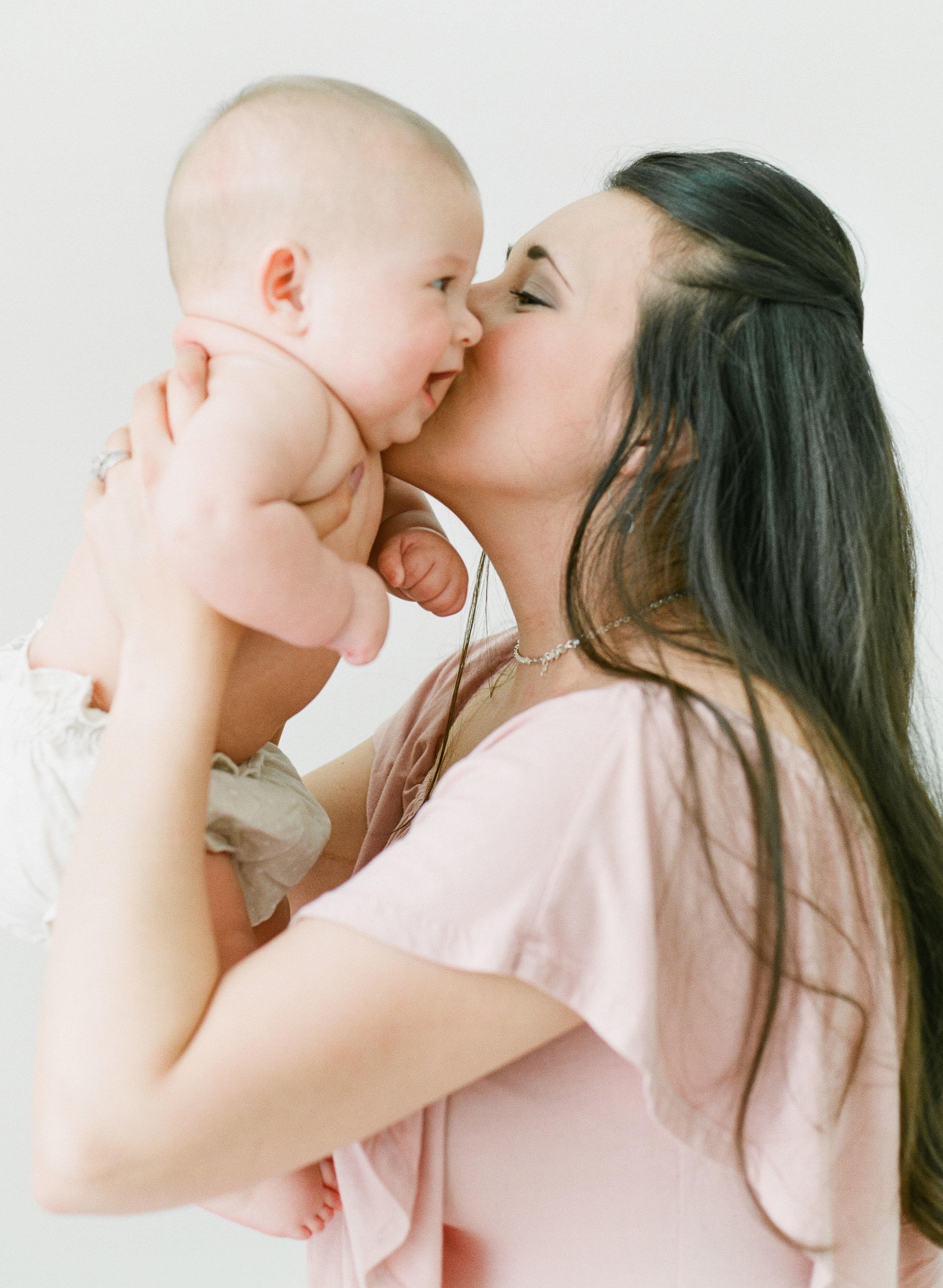 raleigh-baby-photographer-studio-newborns-children-photography