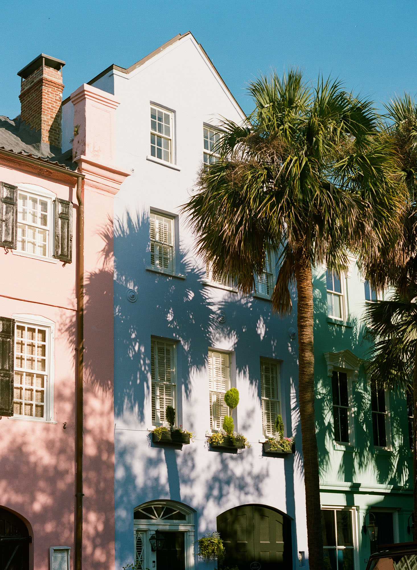 charleston-rainbow-row-film-photography-35mm-film-analog-charleston-photographer-001
