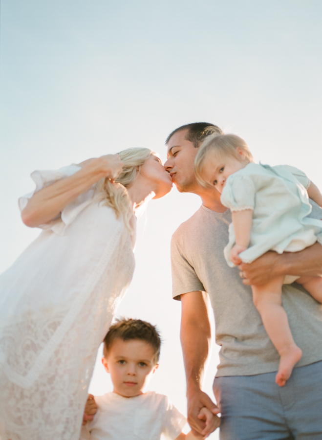 raleigh-lifestyle-family-photographer-home-session