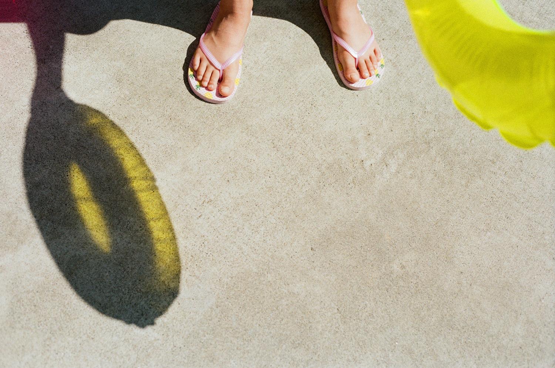 raraleigh-film-photographer-lifestyle-family-shadows