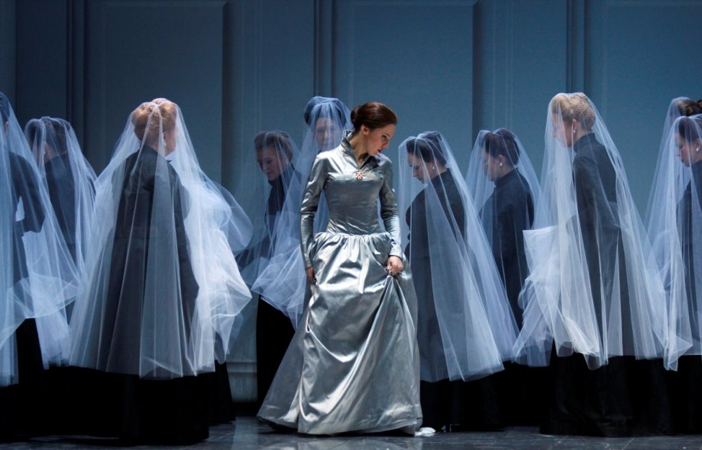 Anna Bolena | Oper Koeln | Directed by Tobias Hoheisel & Imogen Kogge | Set & Costumes by Tobias Hoheisel | Lighting by Andreas Grüter (Photograph by Klaus Lefbvre)