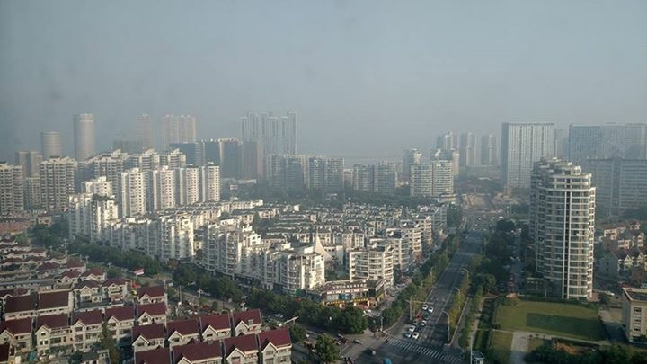 Welcome to Hanzhou where they build big and fast
