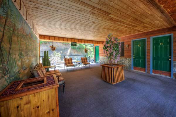 Community Areas | Cedar Wood Inn | Deadwood, SD