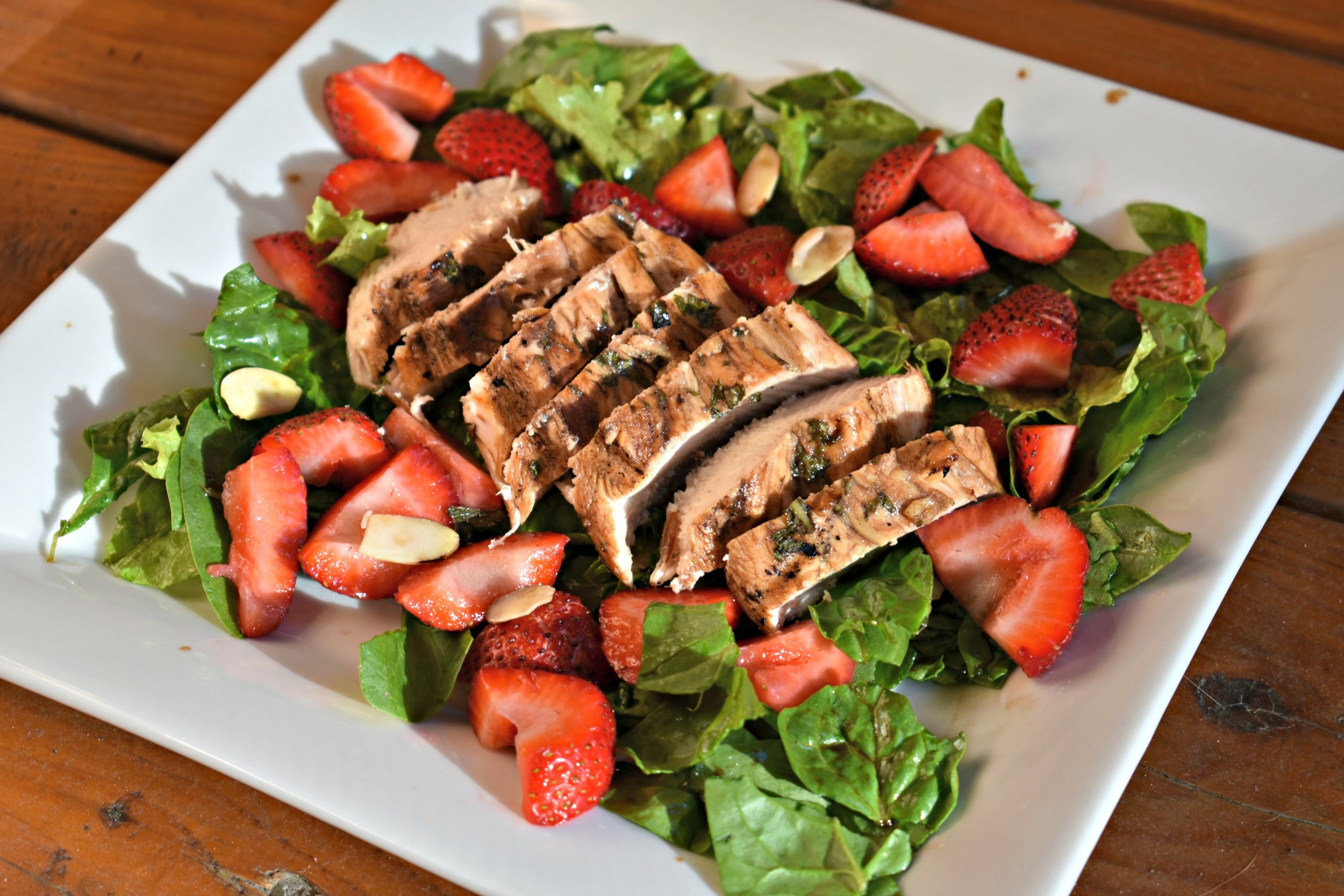 chicken balsamic strawberry salad.jpg