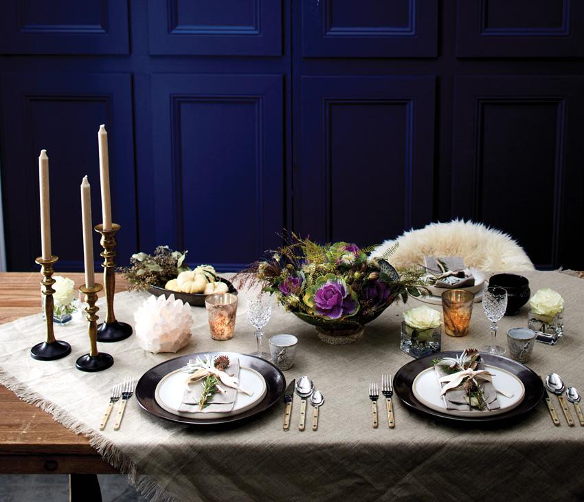 Table_Blackplates_Blue wall.jpg