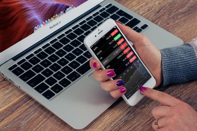 Market Screen stock-iphone-business-mobile-38629.jpeg