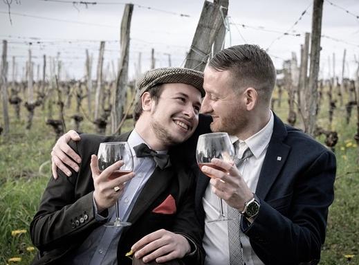 Two men wine pexels-photo-1420695.jpeg