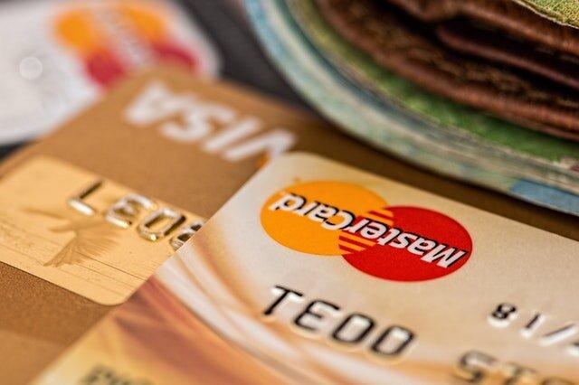 credit cards atm-bank-banking-259200.jpg