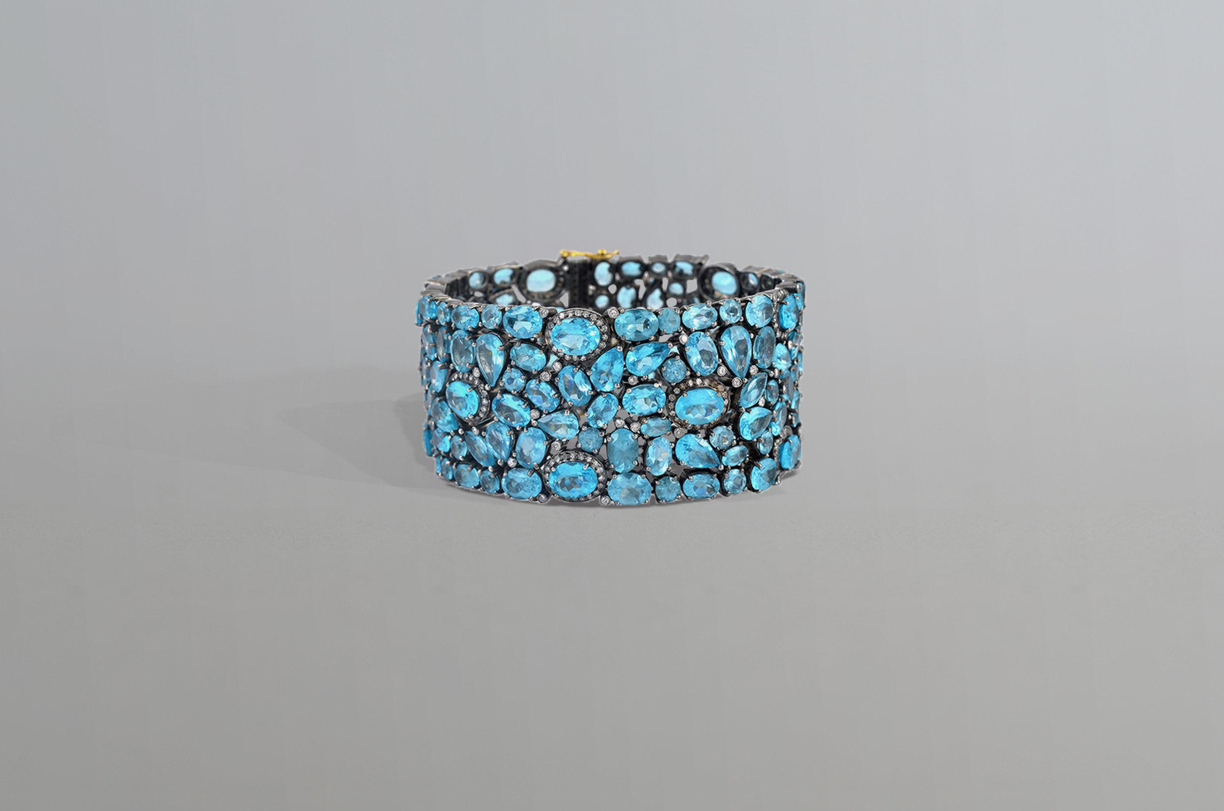 95.10 Carat Apatite with 2.95 Carat Diamond Bracelet set in Sterling Silver
