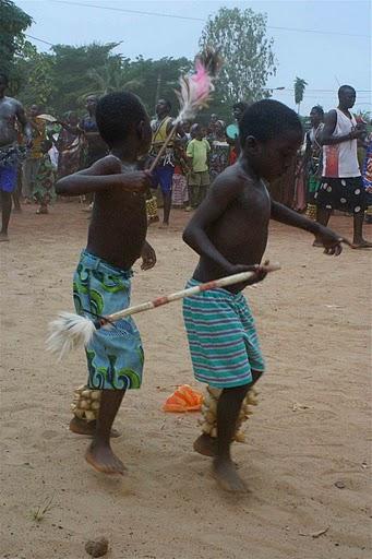 BVC Togo 2010 boys dancing 2.jpg