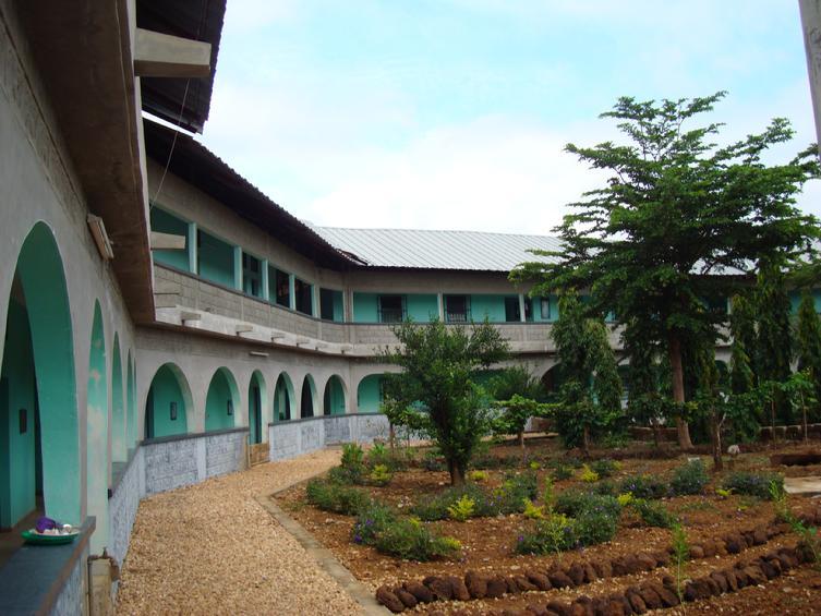 BVC Togo 2010 monastery 2.JPG