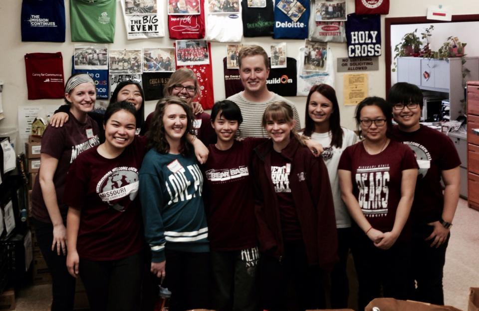 BVC Chicago 2013 John Dwyer with volunteers.jpg