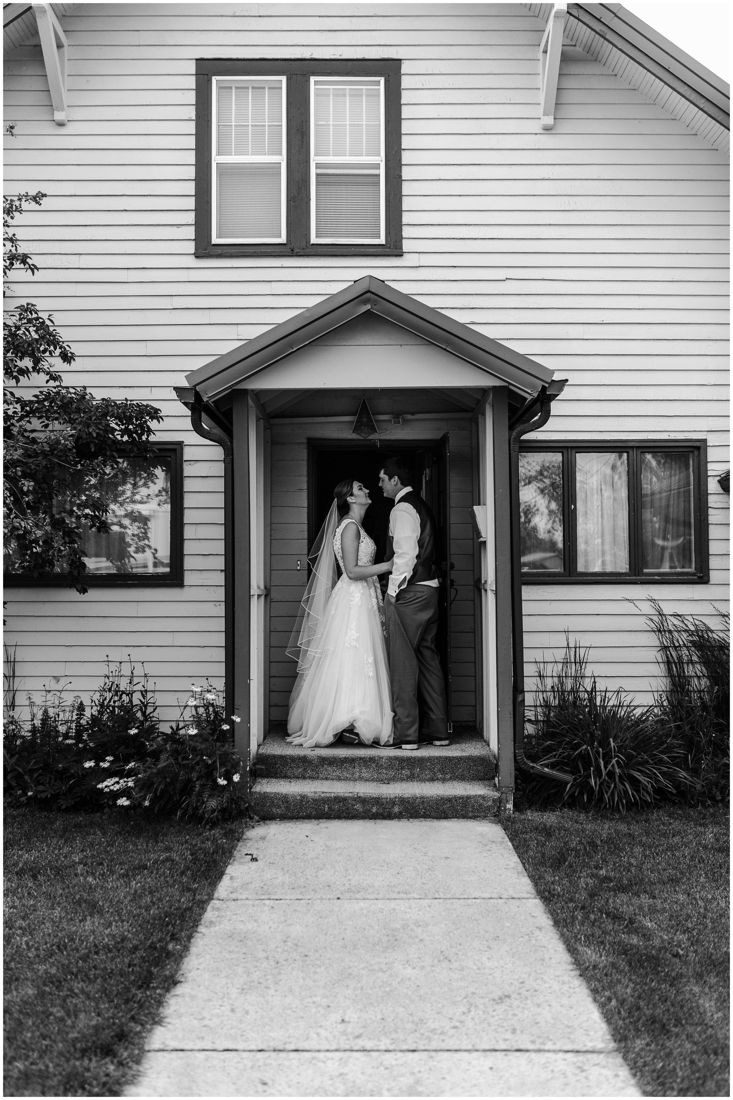 malia_clint_valier_rural_wedding_p27.jpg