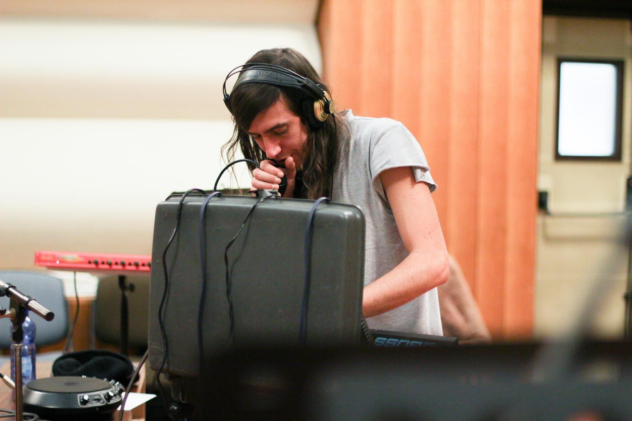 dracula-lews-babylon-radio-2-live-rfm-2.jpg