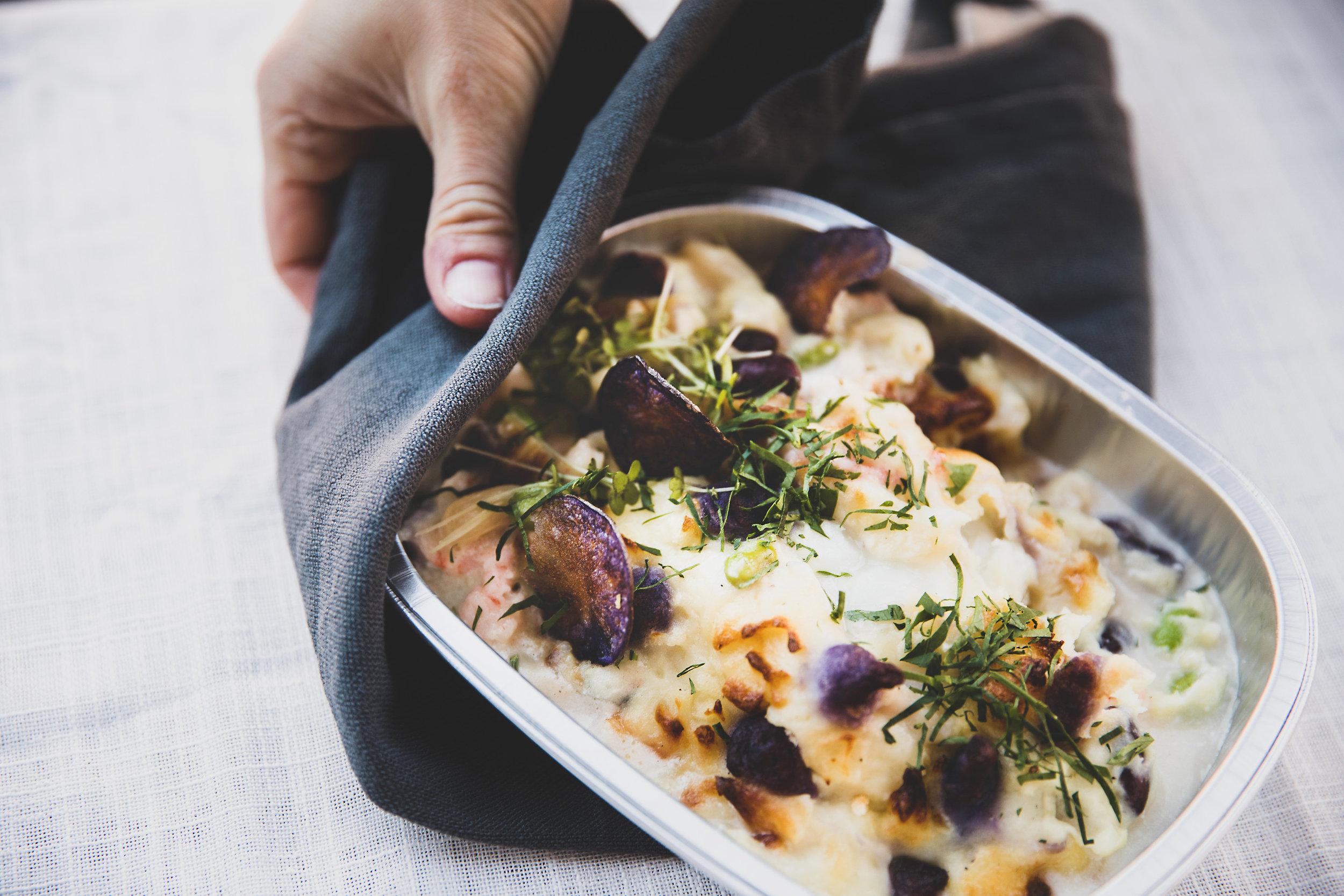 Fiskeriet`s fiskegrateng - Fiskegrateng med hvit fiskefilet, hvitvinssaus, erter, løk og potetpure. Gratinert med revet Västerbottenost.79 kr/per pers