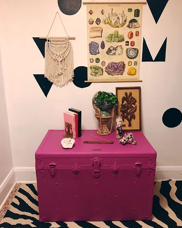 #tbt to this vintage steamer trunk that I painted this fantastic magenta color. Finally got around to adding it to the website. $150 plus free delivery to 5 area locations. 💅🏻🌈👩🏻🎨 . . . #upcycled #thevintagemodernhome #vintagestyle #vintagelove #vintagehome #homedecor #paintedfurniture #chalkpaint #upcycle #steamertrunk #vintagefurniture #magenta #shopsmall #onlyinmn #minneapolis #minnesota #bohochic #bohostyle #thenewbohemians #jungalowstyle #thevintagemodernshop