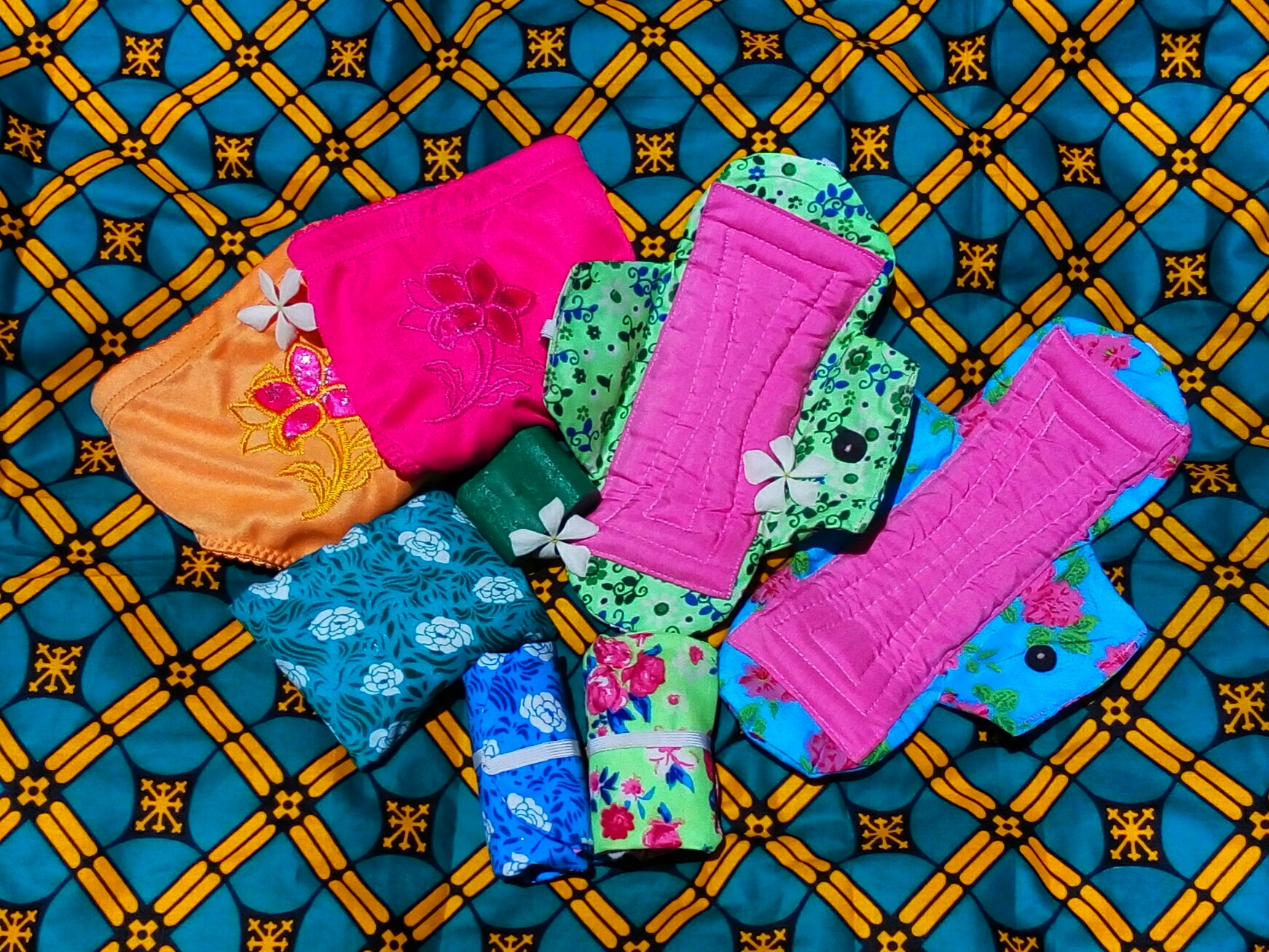 schoolgirl kit pack reusable sanitary pads .jpg