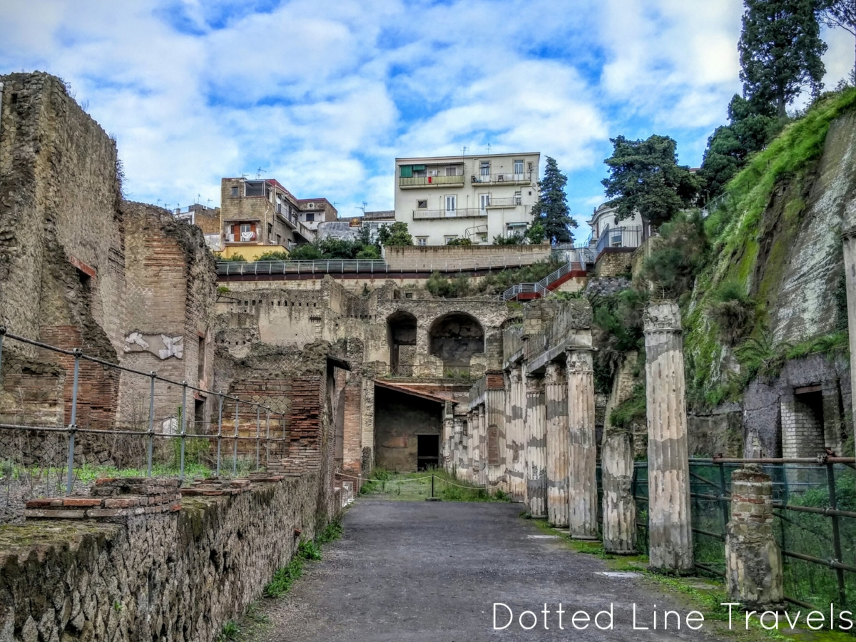 10 Highlights From The Ruins Of Herculaneum Dotted Line