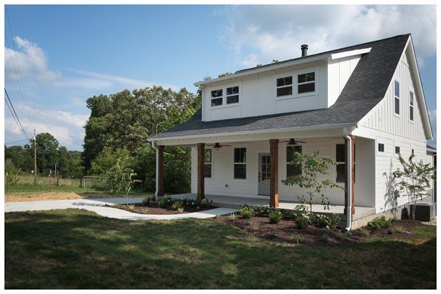 Williamson Conty TN-Fairview-Cottage Home-White 2.jpg
