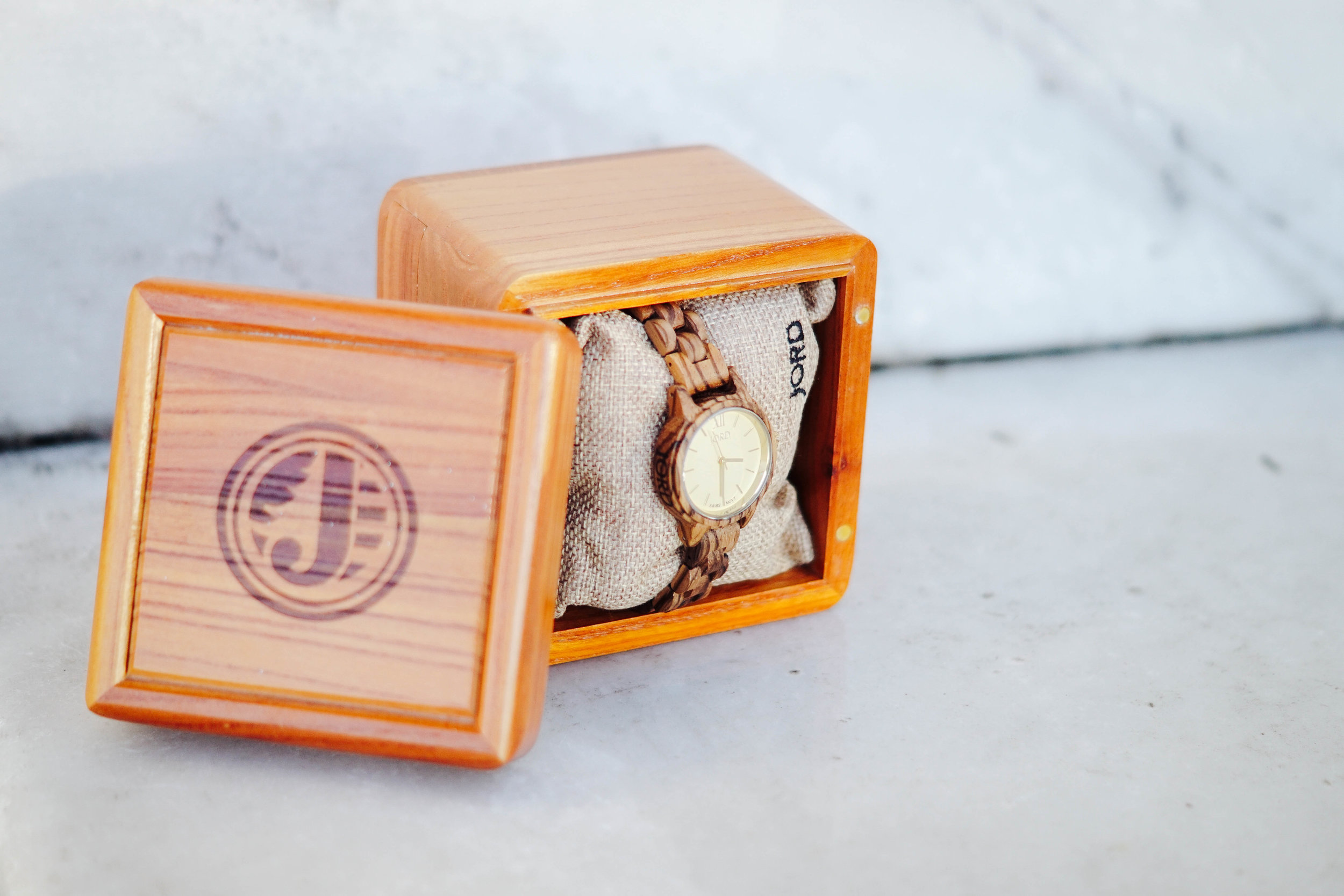 "<img src =""JORD wood watch gift idea.jpg"" alt="" JORD Frankie zebra wood champagne"""