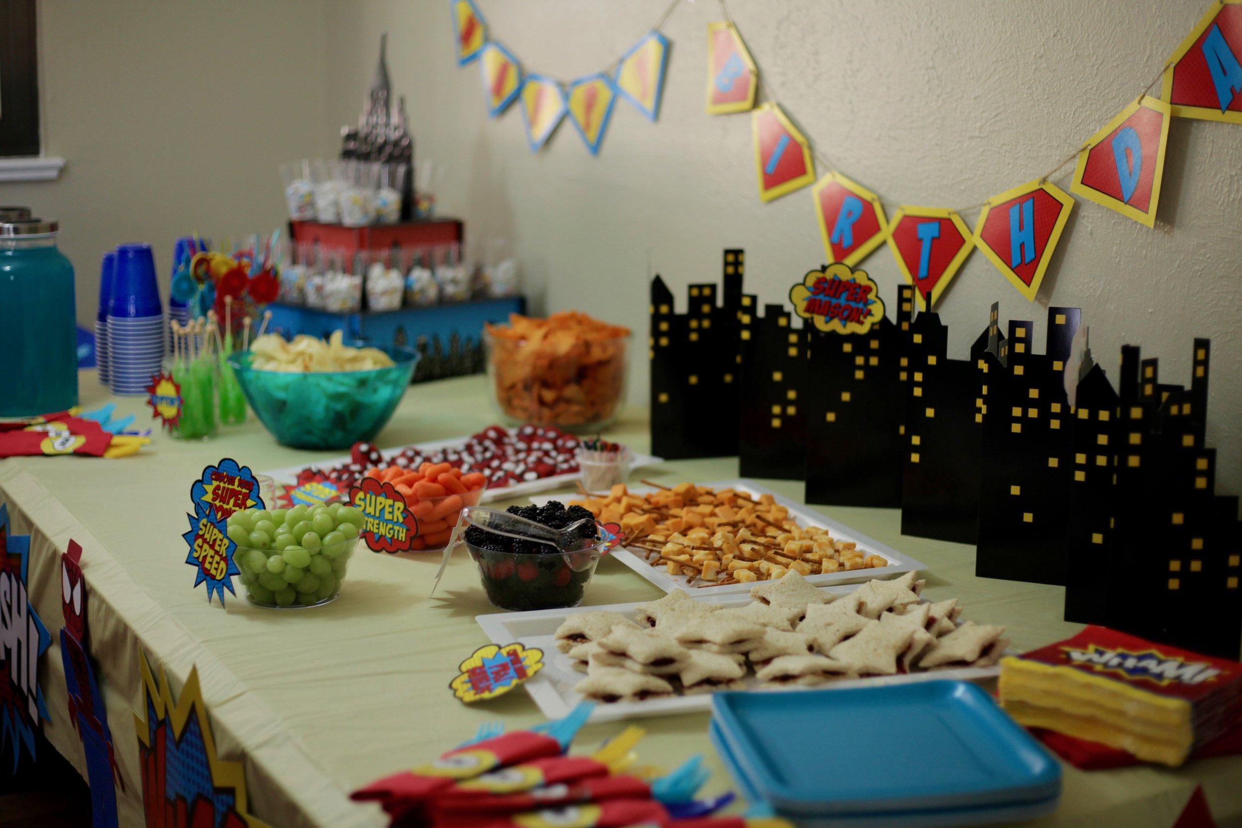 "<img src =""superheroparty.jpg"" alt = ""superhero-birthday-party-food-and-decor"">"