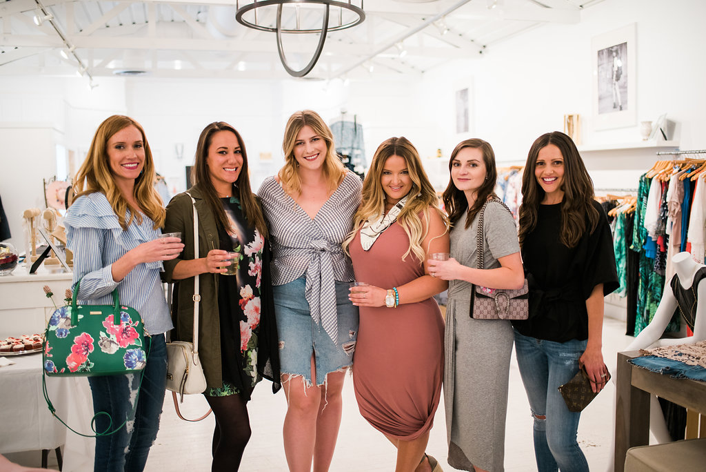 """<img src ="""" the-importance-of-friendship-support-and-other-reflections.jpg"""" alt ="""" style-collective-blogger-meetup-denver-the-importance-of-friendship-sam-edelman-yardley"""">"""