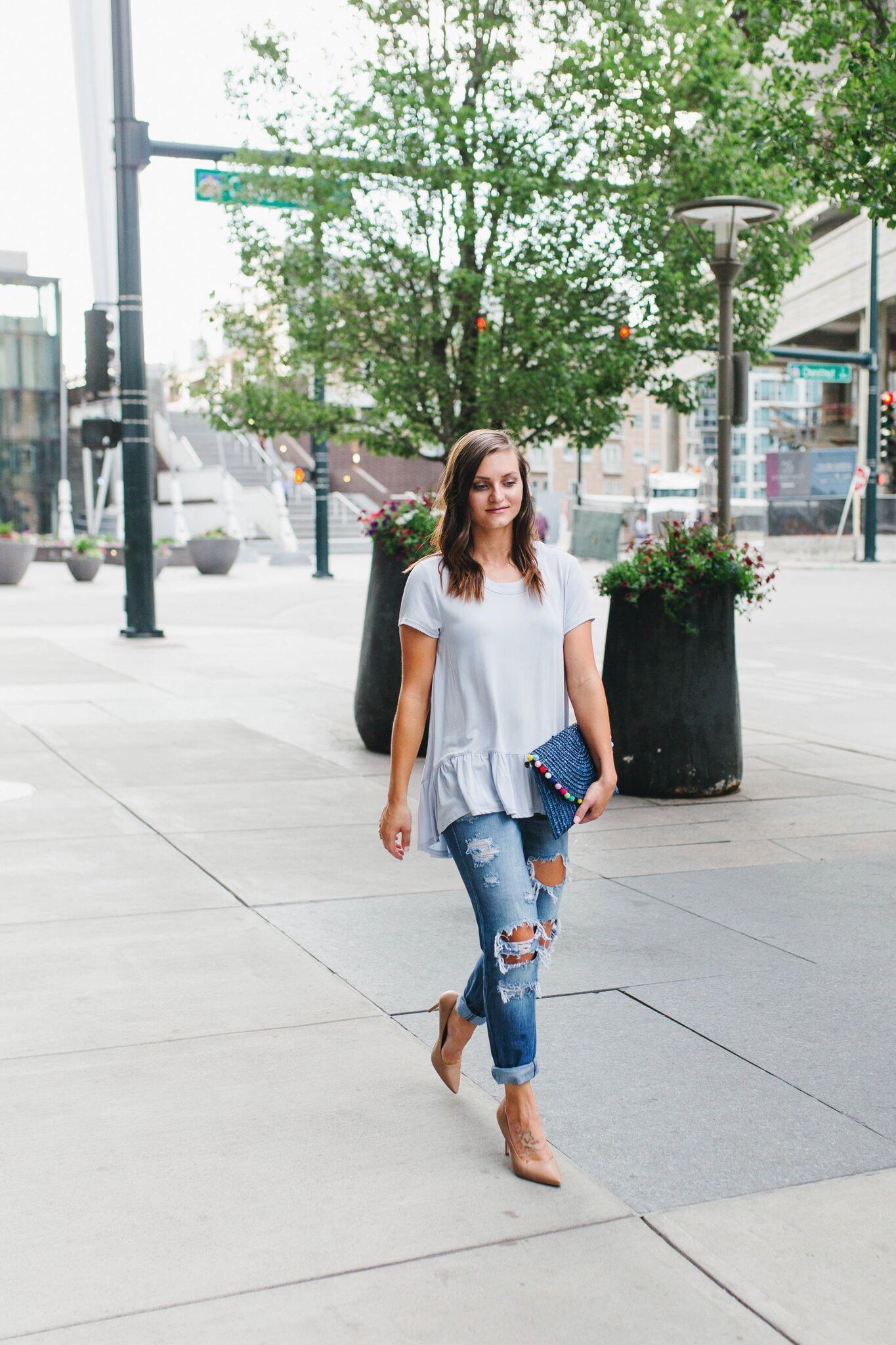 "<img src =""how-to-wear-boyfriend-jeans.jpg"" alt = ""fashion-blogger-of-teddybearsandlipstick-walkng-the-streets-of-downtown-denver-wearing-sam-edelman-hazel-pumps-boyfriend-jeans-and-a-flowy-peplum-top"">"