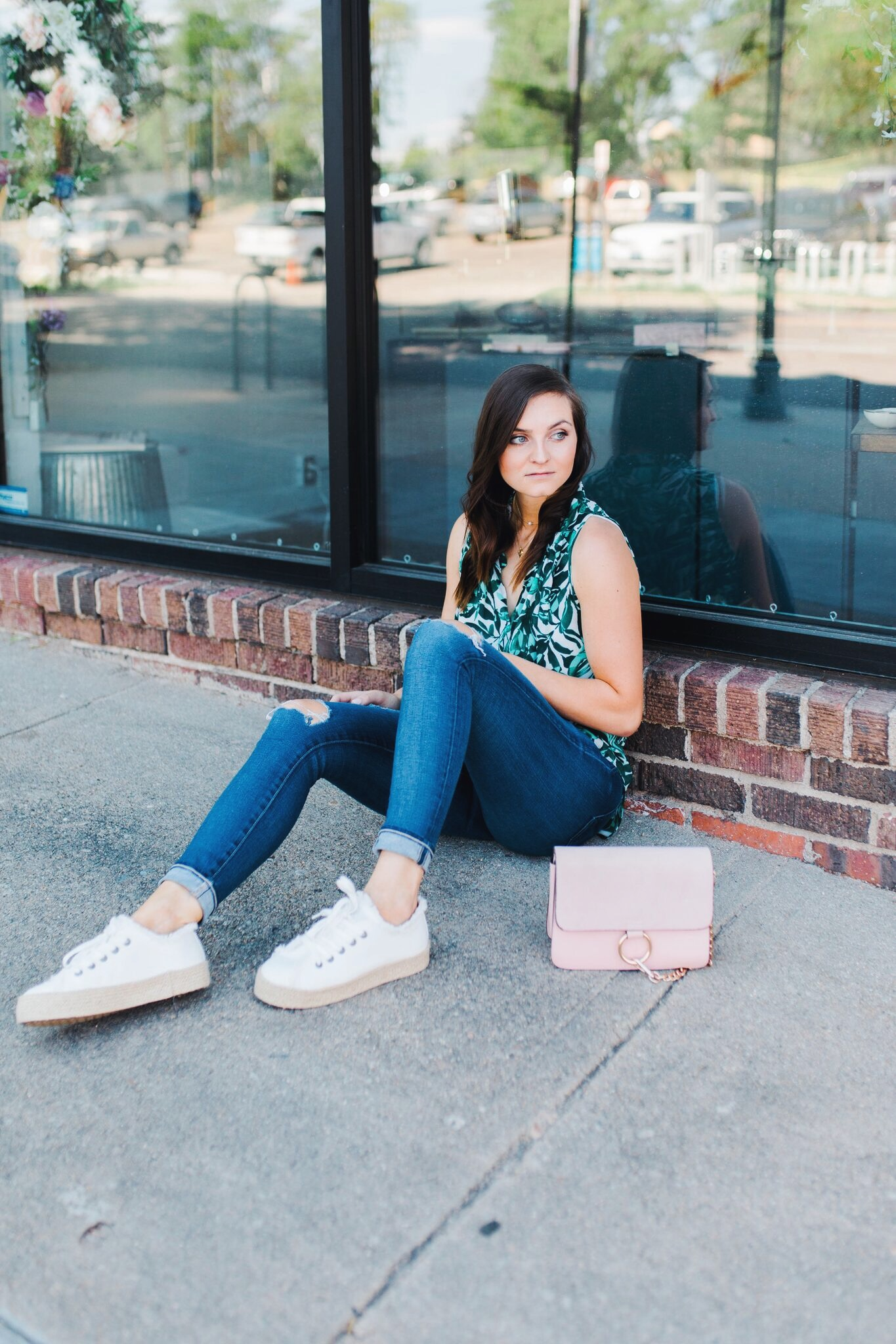 """<img src =""""five-summer-pieces-to-have-in-your-closet.jpg"""" alt =""""fashion-blogger-styling-summer-pieces-to-have-in-your-closet-bold-patterned-pieces-and-espadrille-platform-sneakers"""">"""
