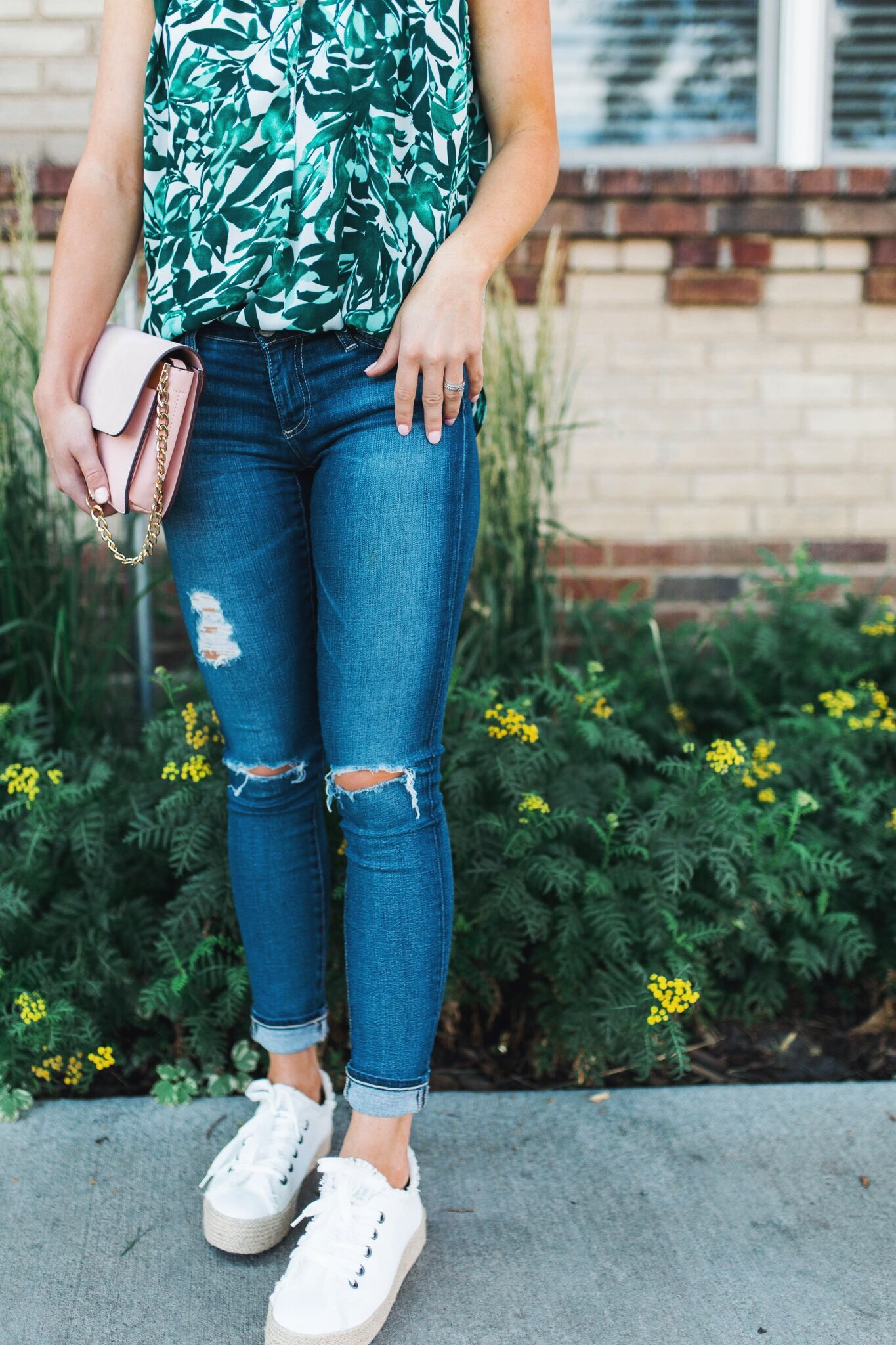 """<img src= five-summer-pieces-to-have-in-your-closet.jpg"""" alt= """"denver-fashion-blogger-wearing-summer-essential-pieces-to-have-in-your-closet-bold-patterned-tank-top-blouse-white-espadrille-platform-sneakers-ag-adriano-goldschmied-11-year-swapmeet-distressed-skinny-jeans-light-pink-chloe-faye-dupe-bag-detail-shot"""">"""