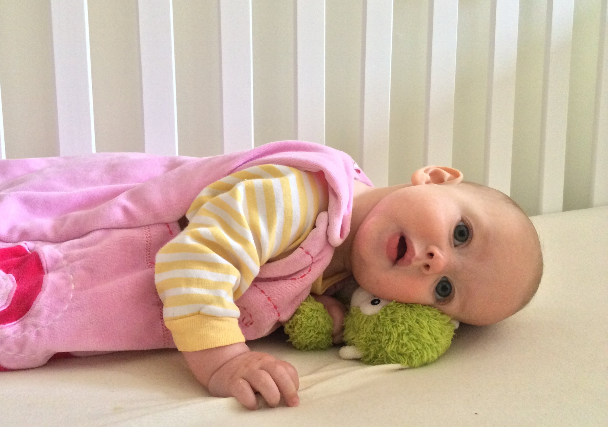 The best room temperature for your baby's sleep is between 16 and 21 degrees celsius.