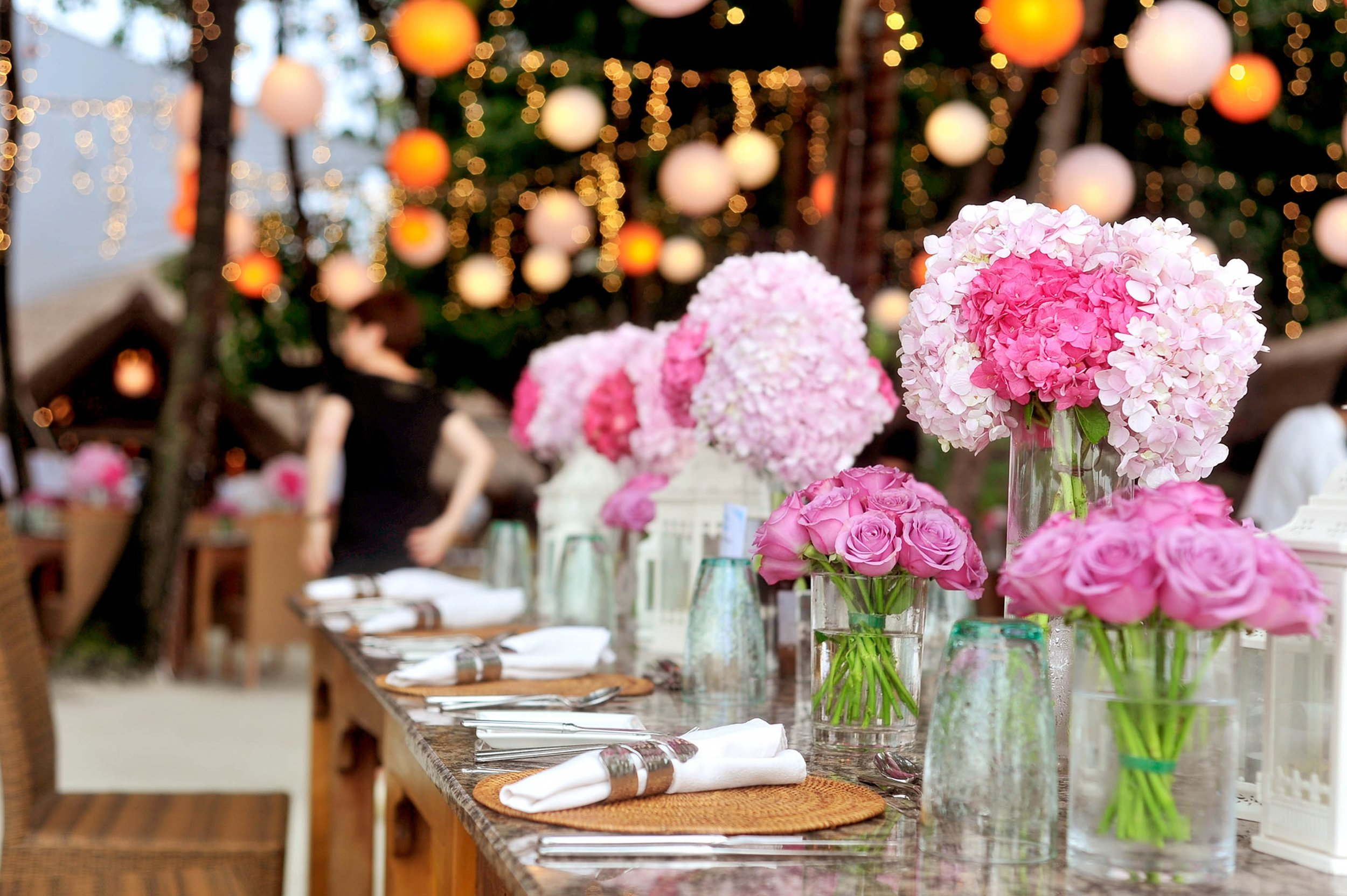 Pink & Gold Table Decor