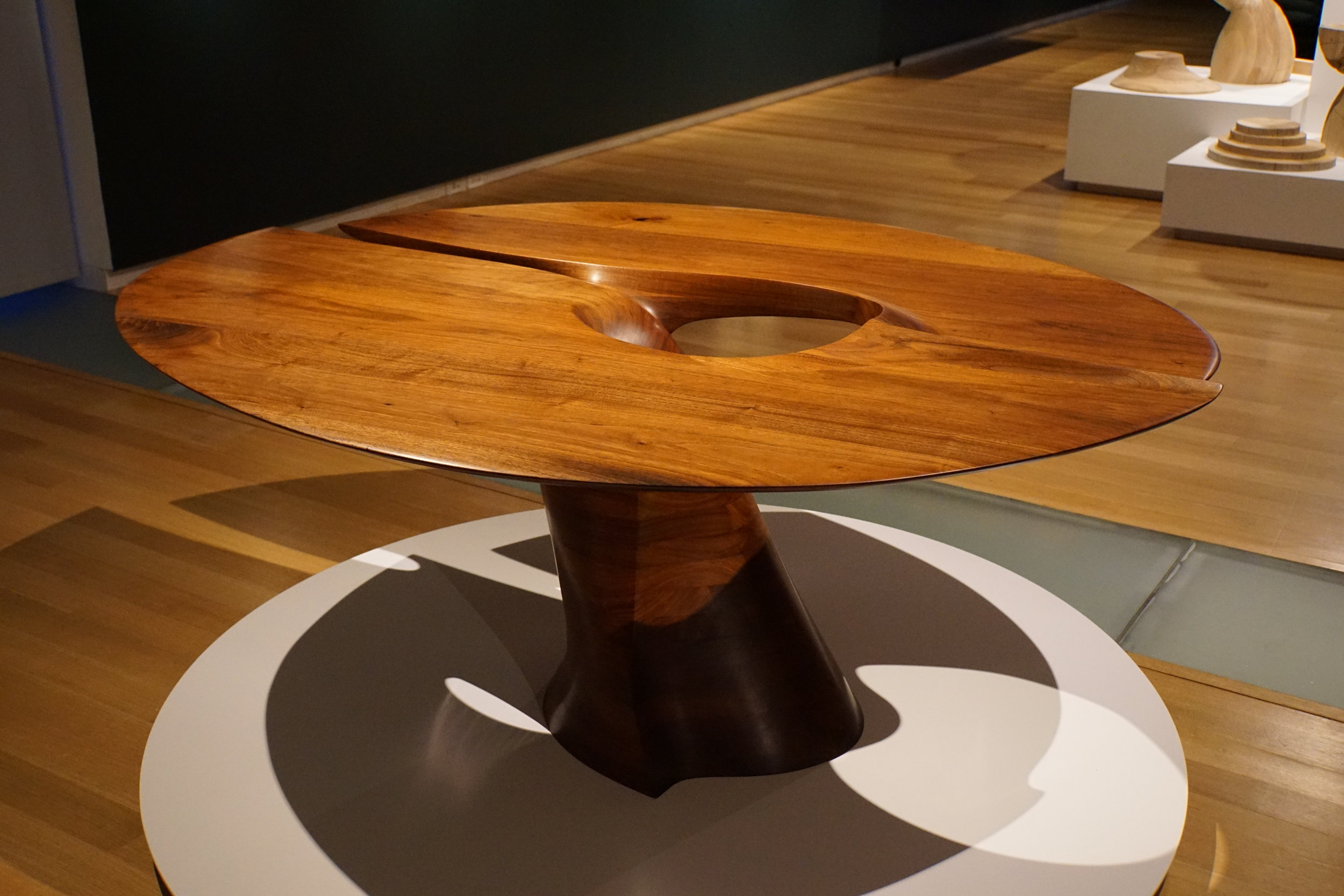 An amazing table by Wendell Castle.