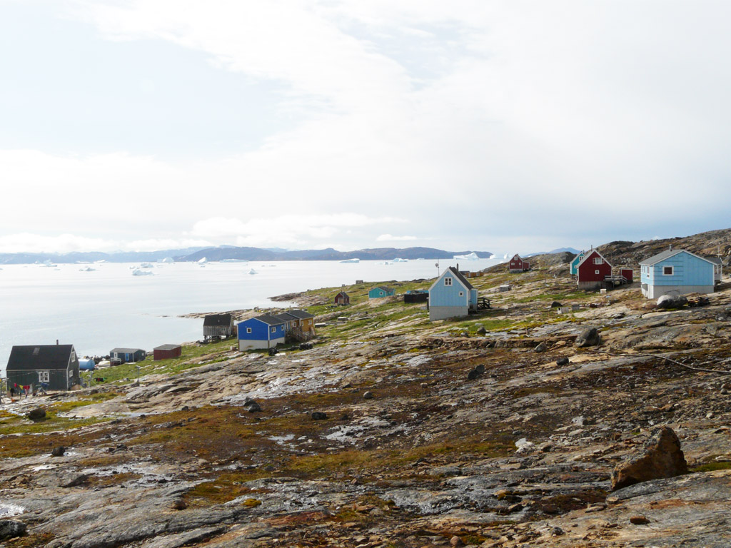the village of Nutaarmiut, clinging to the rocks