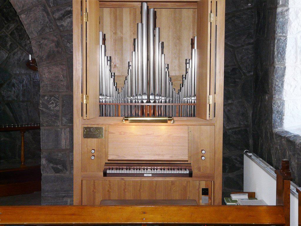 Uummannaq's Frobenius organ with its two swell shutter
